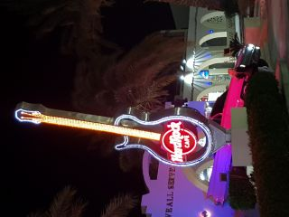 Reviews- Hard Rock Cafe