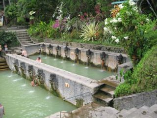 Hot Springs w Banjar / Air Panas