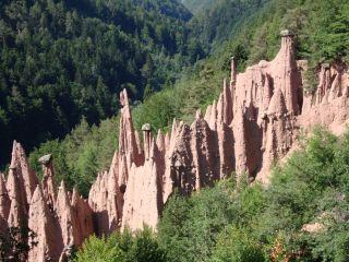 Reviews- Earth Pyramids- natural formations