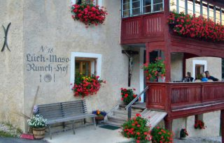Reviews- Hof Runch Restaurant