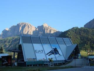 Szkoła Narciarska i Snowboardowa Corvara Ladinia