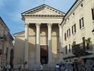 Reviews- San Zeno Church