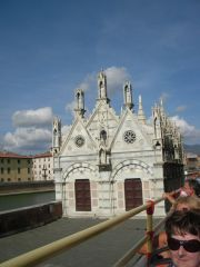 Reviews- Santa Maria della Spina / Dornenkirche