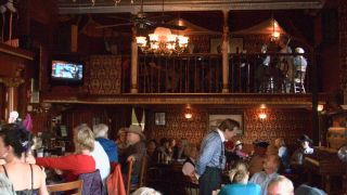 Avis - Bar Diamond Belle Saloon