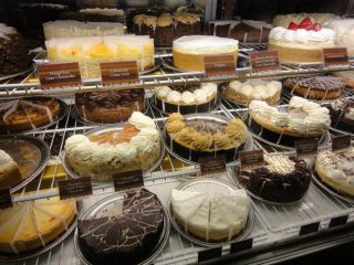 Reviews- Cheesecake Factory Restaurant