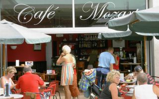 Reviews- Cafe Mozart