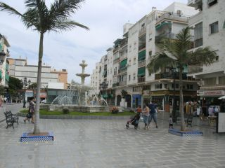 Avis - Einkaufsmeile von Torremolinos