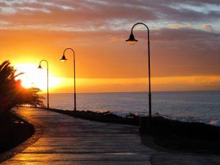 Avis - Promenade de la plage de Costa Teguise