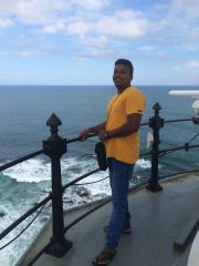 Guide Dinesh Suranga