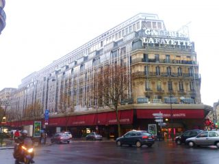 Avis - Centre commercial Val d'Europe