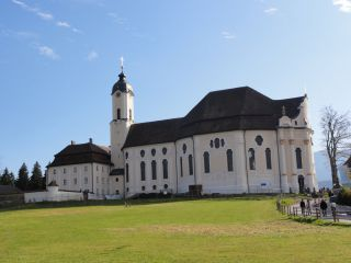 Reviews- Wies Church