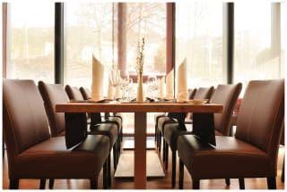 Avis - Dapper's Restaurant & Lounge