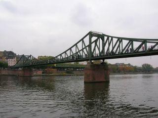 Reviews- Eiserner Steg Bridge
