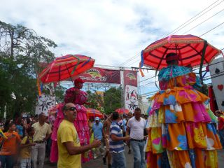 Reviews- Karneval in La Vega