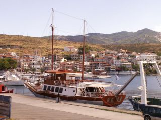 Avis - Port de Neos Marmaras