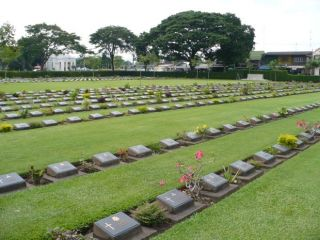 Reviews- Soldiers cemetery Kanchanaburi