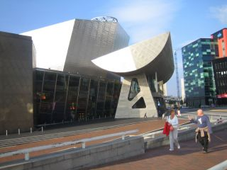 Reviews- The Lowry Outlet at the Salford Quays